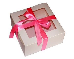 коробка-белая-квадратная -с-окошком-1