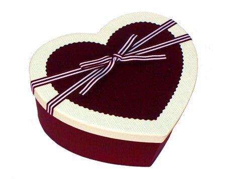 коробка-сердце красная