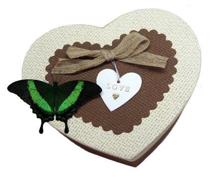 валентинка с живой бабочкой