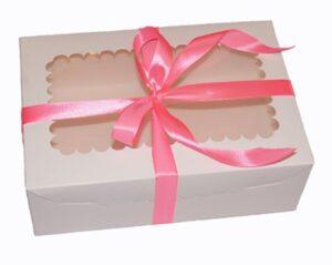 прямоугольная коробка с окошком для бабочек